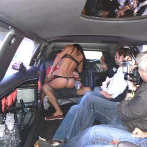 Stripteaseuse en limousine 13