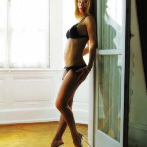 Stripteaseuse Haut-Rhin Maeva 68