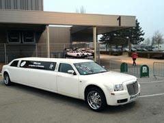 stripteaseuse dunkerque en show limousine 59 nord. Black Bedroom Furniture Sets. Home Design Ideas