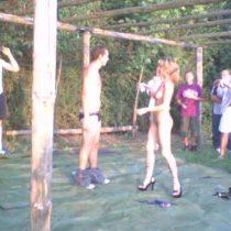 stripteaseuse lyon enterrement de vie de jeune garcon