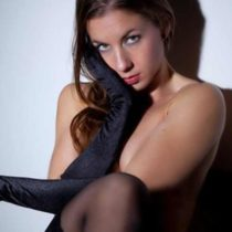Stripteaseuse Shaina Antibes