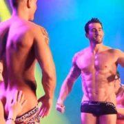 Show strip-tease Paris