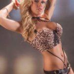 Stripteaseuse Paris à domicile anniversaire Kloé