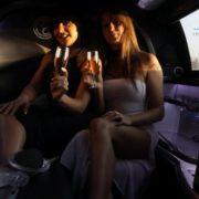 Strip-teaseuse Paris en limousine