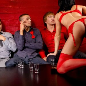 Déroulement d'un striptease à domicile