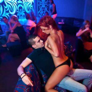 Stripteaseuse Hérault Mia 34