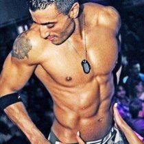 Stripteaseur Enzo Lyon