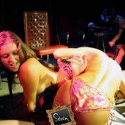 Duo érotique féminin 06