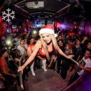 Jenna gogo danseuse Mère Noël sur le Rhône-Alpes