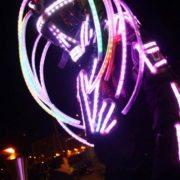 Robot LED échassier luminueux