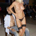 Strip-tease féminin avec Oksana