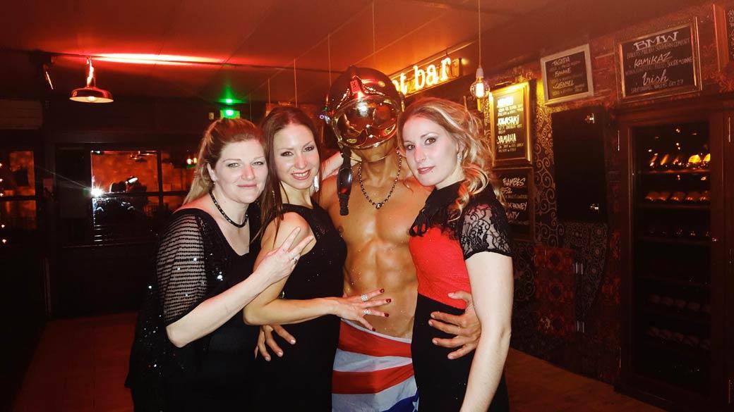 Stripteaseur Annecy Enzo