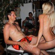 Stripteaseuse enterrement de vie de jeune garçon Metz Eva