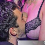 Striptease Poitiers enterrement vie jeune garçon