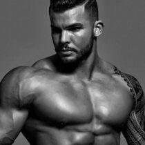 Stripteaseur Poitiers Adriano Vienne