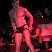 Stripteaseur Tarbes enterrement de vie de jeune fille