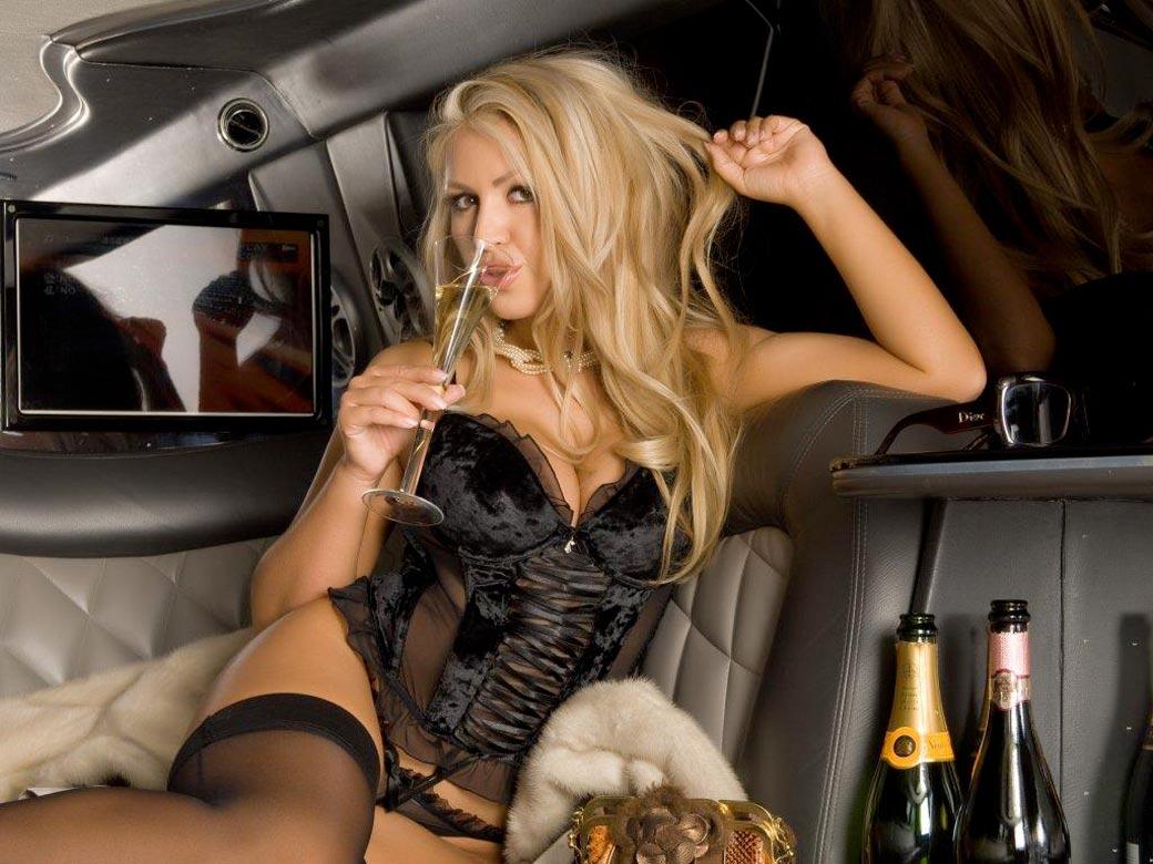 Stripteaseuse en limousine Toulouse