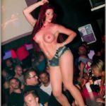 Stripteaseuse Mâcon enterrement de vie de jeune garçon