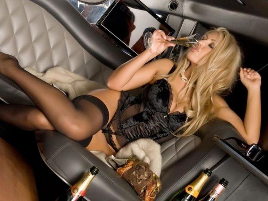 Stripteaseuse Toulouse Haute-Garonne limousine