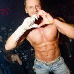 Stripteaseur à domicile Valenciennes