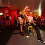 Striptease anniversaire Royan