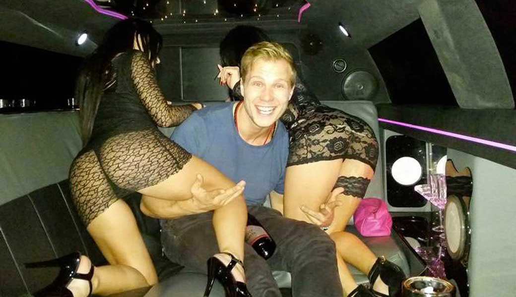 Stripteaseuse Orléans en limousine