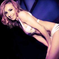 Stripteaseuse Oxana Bordeaux