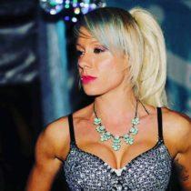Stripteaseuse Oxana Cognac