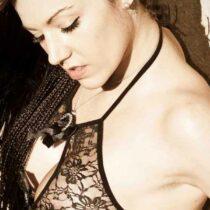Stripteaseuse Carpentras Angie 84