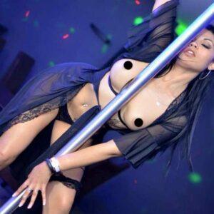 Stripteaseuse Bourgoin-Jallieu Alisha 38 Isère