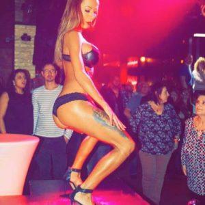 Stripteaseuse Nord Davina